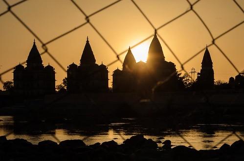 sunset heritage silhouette river landscape temple cenotaph madhyapradesh orchha akaur chhatris betwa nikond7000