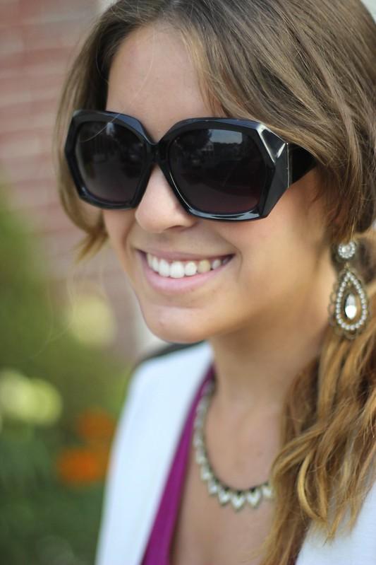 style tab, oversized sunglasses