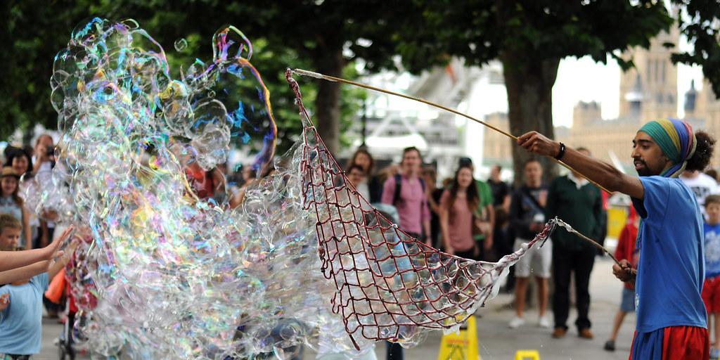 Bubble Man London Southbank / London Eye