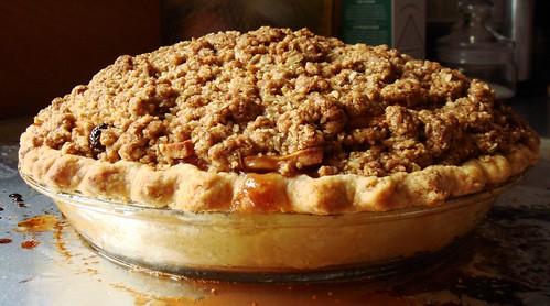 Cranberry Apple Crumb Pie