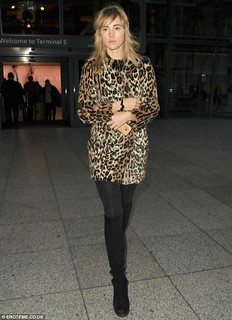 Suki Waterhouse Leopard Print Coat Celebrity Style Women's Fashion
