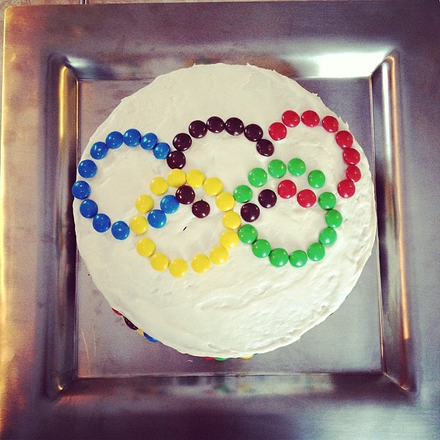 Just an FYI: m&m's come in Olympic Rings colors. #olympics #sochi #m&m #cake #yum