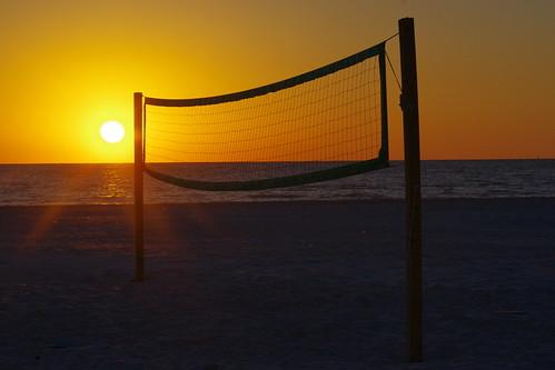 sunset usa beach gulfofmexico sand florida motel beachvolleyball resort volleyball fl gameover fla bonaire stpetebeach spb endoftheday volleyballnet bonairemotel stpetebeachflorida bonaireresort