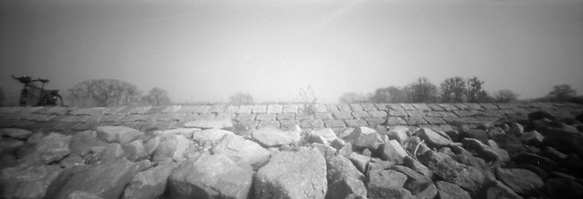 (PIN HOLE) Dresden Elbe Am Treidelpfad River Elbe on the towpath 16