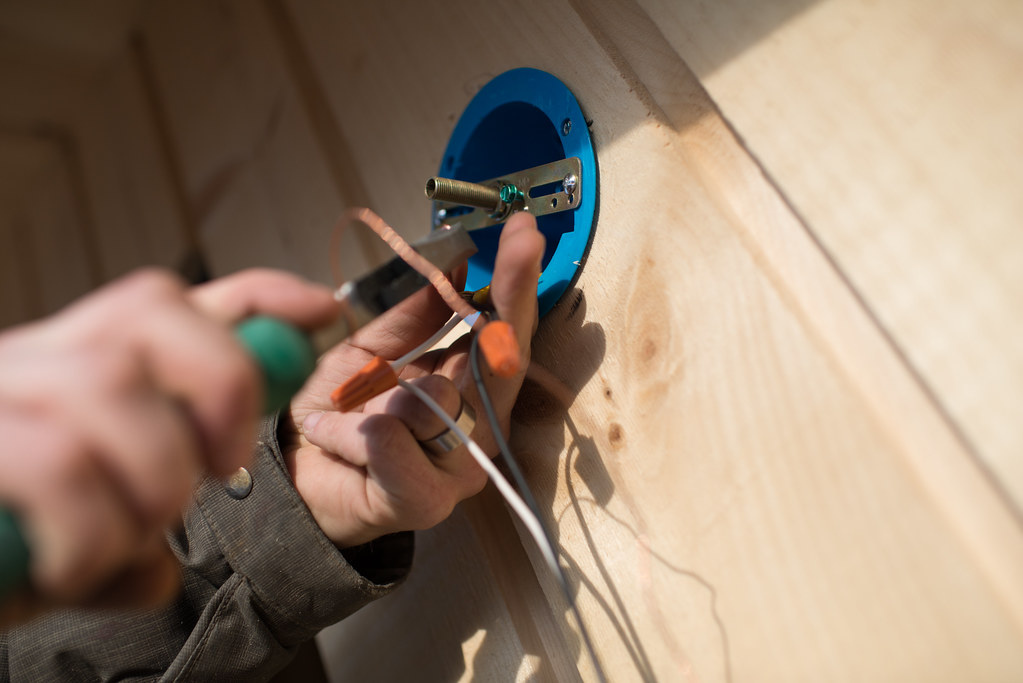 Building the Solar Shed, Part Five: Wiring & Insulation on