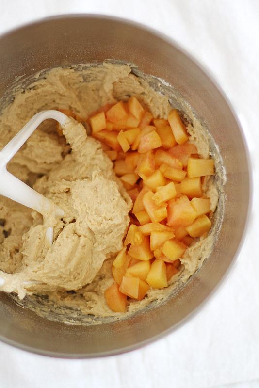 peaches & cream streusel bread