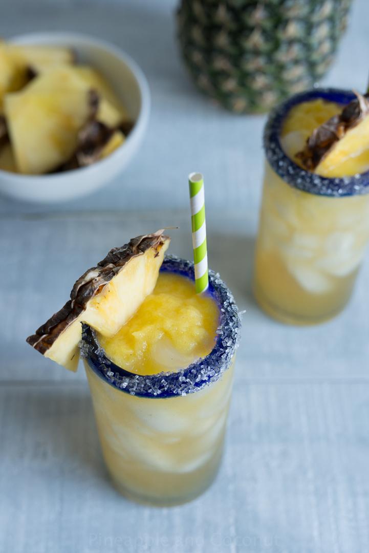 Vanilla Pineapple Margaritas #Vanillaweek www.pineappleandoconut.com