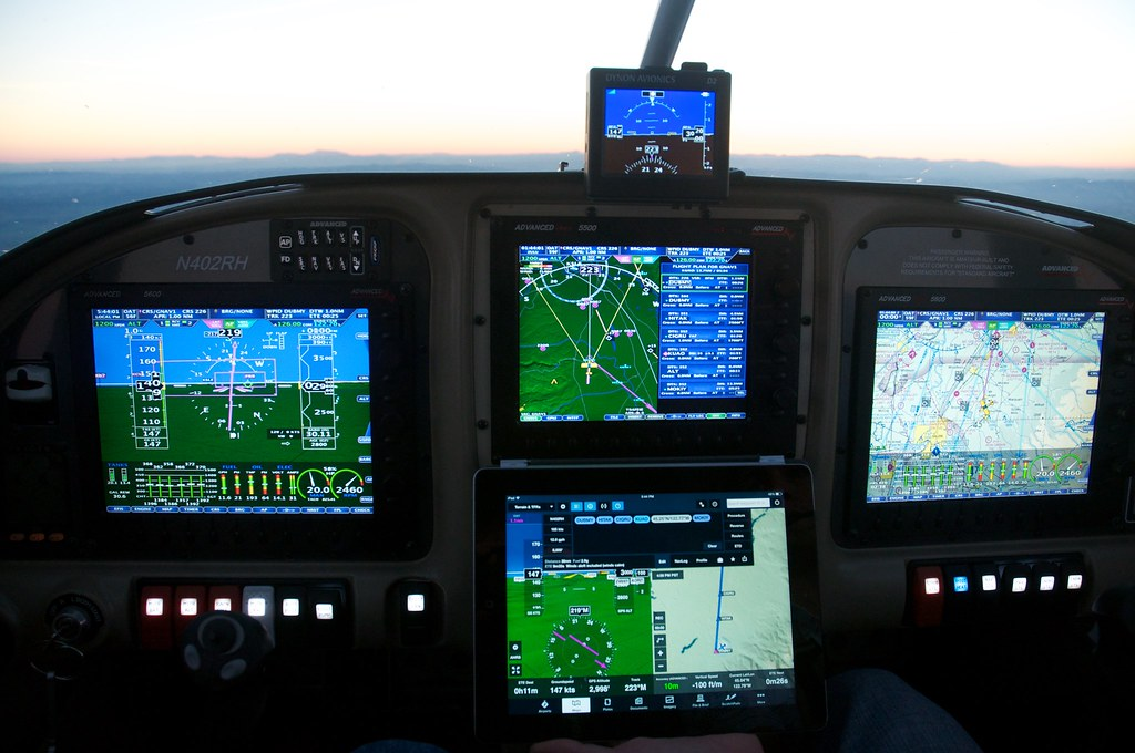 Dynon Avionics and ForeFlight bring wireless mobile device