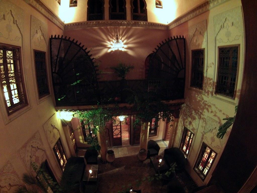 Interior de La Maisón Arabe La Maison Arabe, experiencia mágica en Marrakech - 16189296307 6c6c456028 b - La Maison Arabe, experiencia mágica en Marrakech