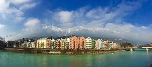panorama mountains alps mobile reflections river austria inn europe colours tour walk sightseeing bank landmark case walls colourful colori alpi quai tyrol innsbruck guided iphone tirolo iphoneography innbrucke mariahlifstrasse