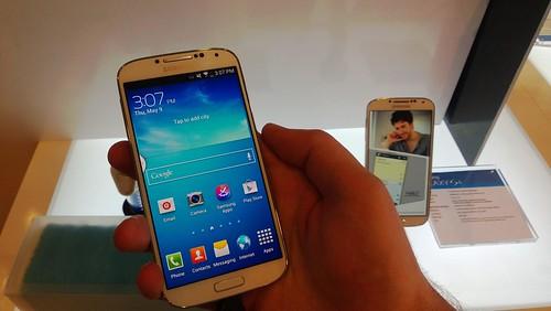 Samsung Galaxy S4 telefono video pristatymas