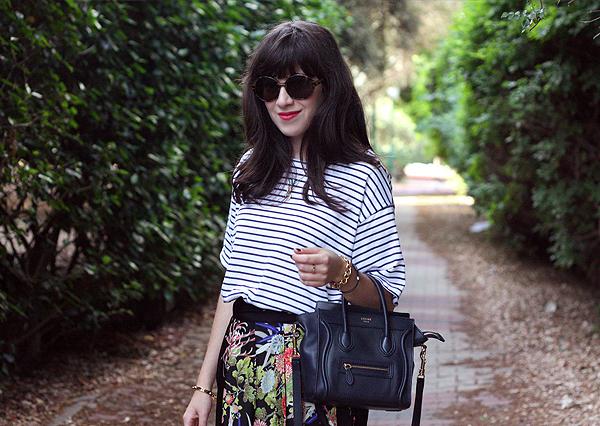 celine bag, striped shirt, sunglasses, בלוג אופנה, אפונה בלוג אופנה, חולצת פסים, חצאית מעטפת, תיק סלין, תיקי מעצבים