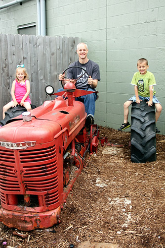Tractor_Bri-and-Kids-on-it