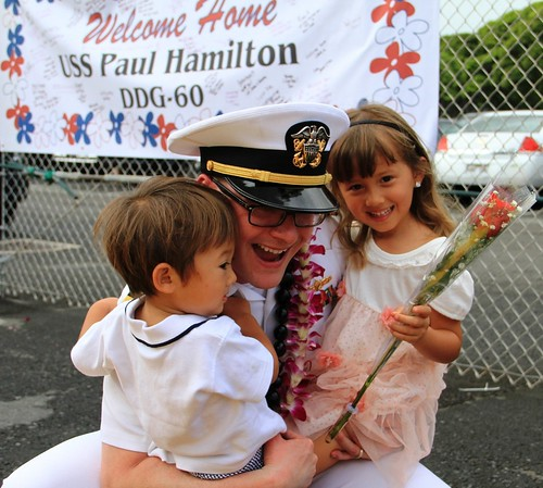 PHM Sailor being welcome homed by his children