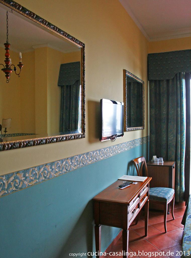 Hotel Sirius Zimmer links