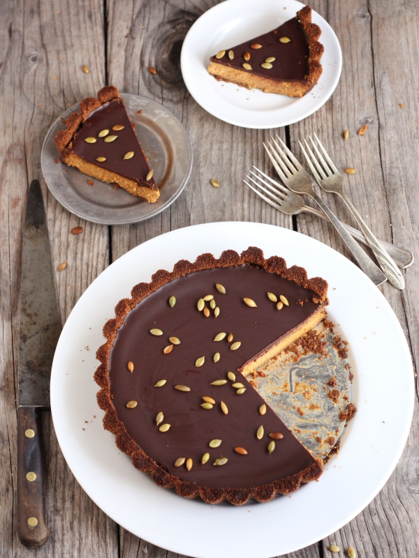 pie (that's me)— a tart lined with a gingersnap cookie crust ...