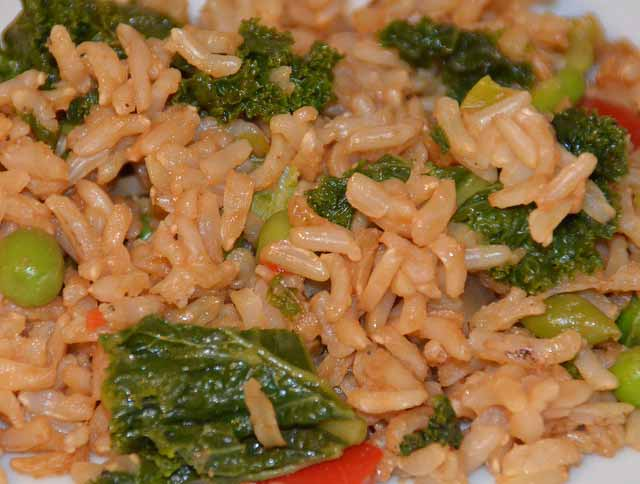 Tasty supper recipe with rice and curly kale