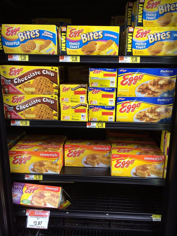 Eggo Waffles in Walmart #FROZENFun #Shop
