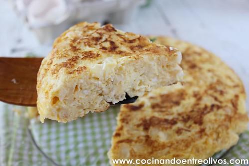 Tortilla de bacalao www.cocinandoentreolivos (20)