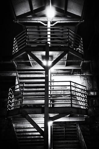 shadow bw abstract architecture night stairs train newjersey noir unitedstates platform nj newbrunswick trainstation njtransit
