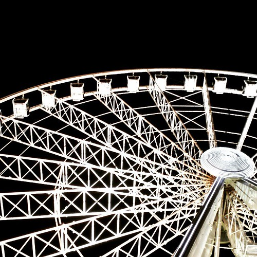 Never thought I'd say this but I think the #Manchester wheel is officially prettier than the #London eye ����