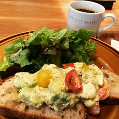 shrimp avocado egg toast♡ @ city bakery...gotta try making this at home! #citybakery #grandfront #osaka #japan #breakfast #coffee #avocado