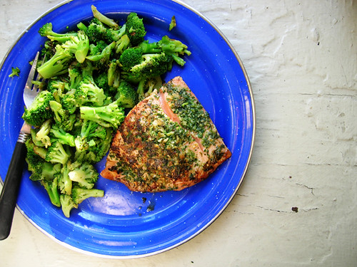 salmon and broccoli with parsley and garlic