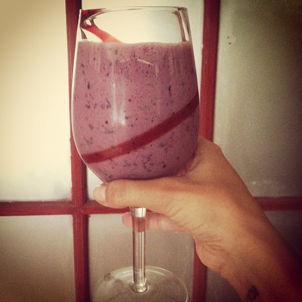 Smoothie in a wine glass..feeling fancy today #handpickickedfruit #blueberries #blackberries #coconutmilk #detox #juicing #healthydiet