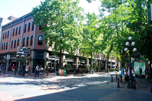 Gastown | The Neighbourhoods of Vancouver – A Visitor's Guide | packmeto.com