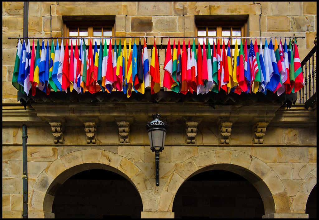 Banderas, lenguajes