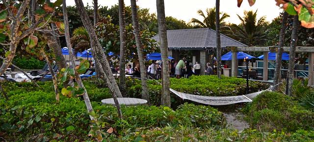 Jupiter Beach Resort, Sinclairs Restaurant - Florida beach and pool bar