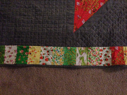 Briar Rose Giant Star border quilting detail