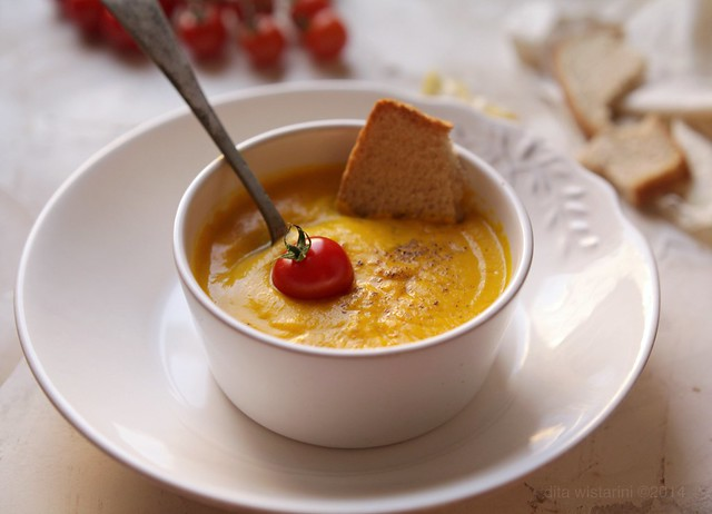 spicy ginger carrot soup