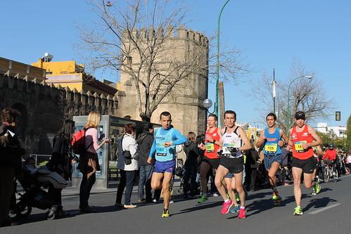 2014.02.23.093 - SEVILLA - Calle Muñoz León - Muralla de la Macarena - (XXX Maratón de Sevilla)