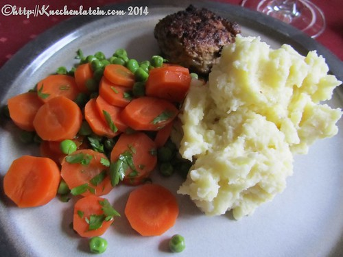 ©Carrots, peas, meat patty and Nigel Slater mashed potatoes