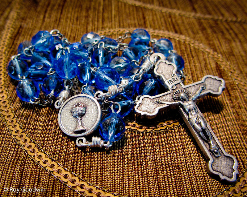 8mm Faceted Sapphire-colored Czech Glass Anglican Rosary