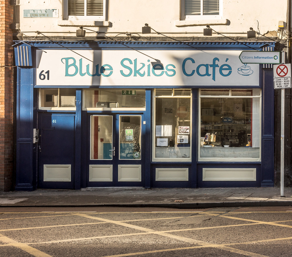 BLUE SKIES CAFE AT 61 BOLTON STREET REF-101575
