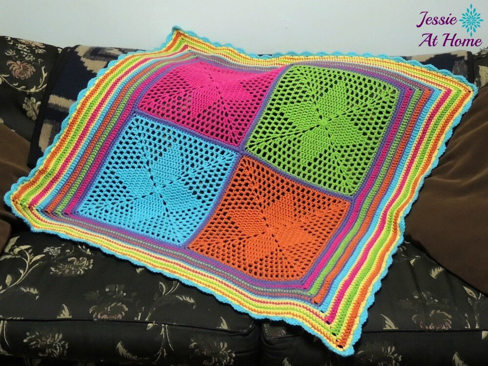 Four-Points-Star-Blanket-free-crochet-pattern-by-Jessie-At-Home