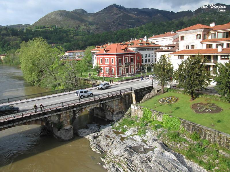 Desde el puente Romano de Cangas de Onís