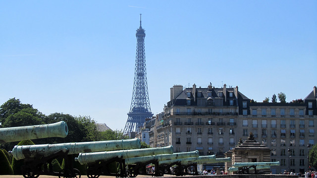Canons and Eiffel Tower