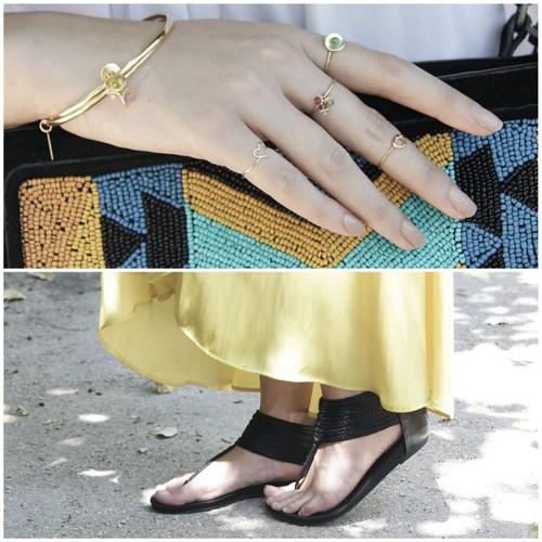 Clara Alonso con pulsera y sortijas midi Gemmasu