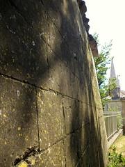 Fontenay-le-Comte. Tour de la Boulaye et clocher de Notre Dame. Ancien château fort, parc Baron