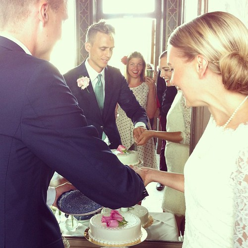 Peppade på bröllopstårtan!