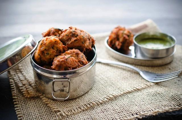 Zucchini Bhajis with Cilantro Mint Chutney