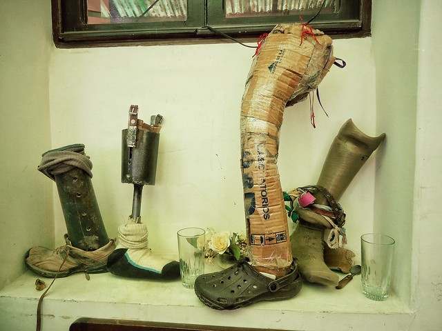 Homemade artificial legs in La Paz