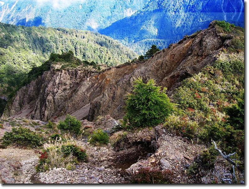 庫哈諾辛山崩壁