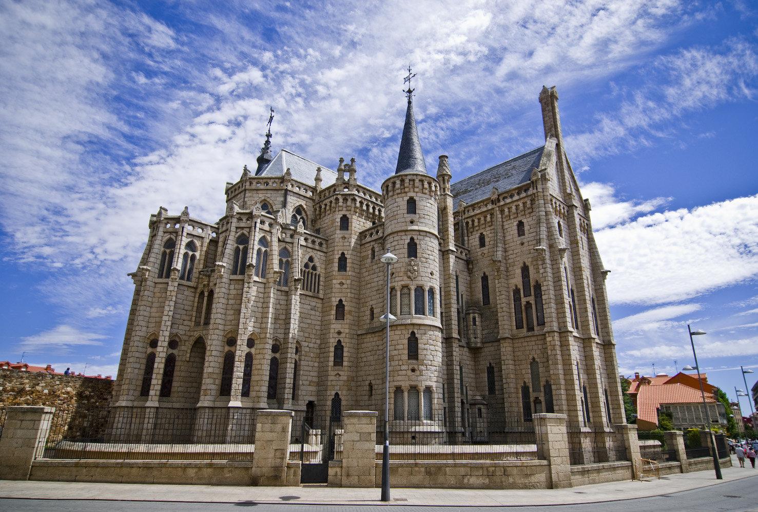 4. Palacio episcopal de Astorga. Actualmente dedicado al museo del Camino. Autor, Eryoni