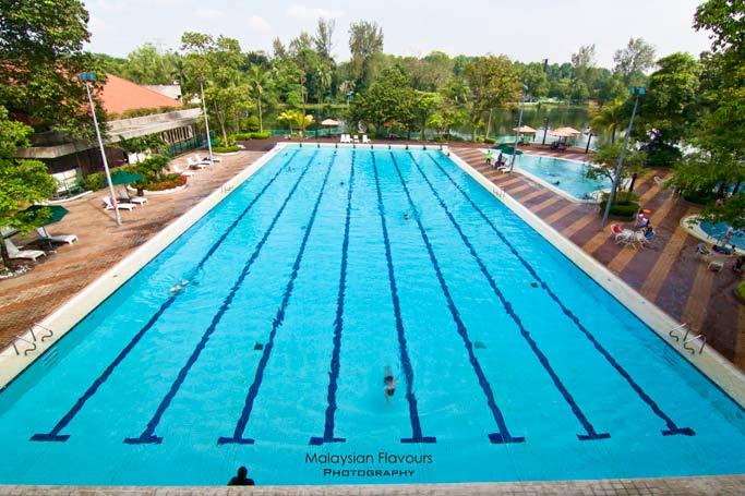 swimming-pool-holiday-villa-hotel-suites-subang