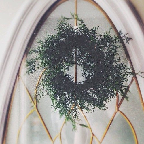 A little wreath I made this afternoon #vscocam #vsco #wreath #evergreen #decor #frontdoor by bford13