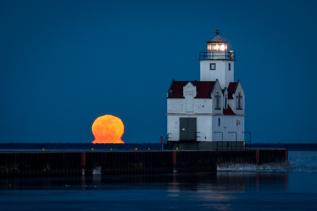 Full Moon, Fullmoon, Lighthouse, Lake Michigan, Kewaunee, Wisconsin